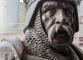 Statue de Guillaume le Conquérant au Château de Falaise